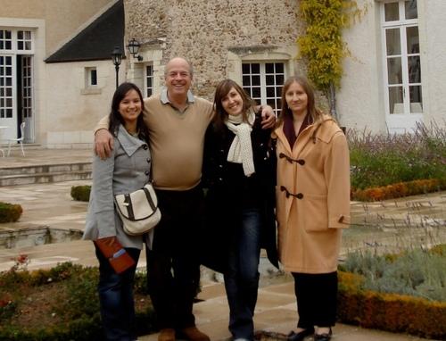 De gauche à droite : Syla SAIYUT : assistante chef de projet, Enrique MAST, directeur PromoIncent, Célia GOURDON : chef de projet Espagne et Josette MUROLO : chef de projet Espagne, Italie
