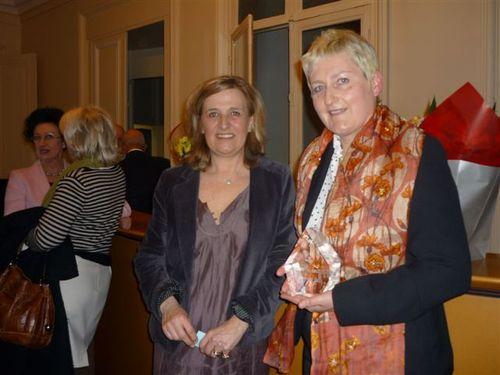 La lauréate Viviane Duminy avec Agnès Gascoin présidente de l'Association Femmes du Tourisme