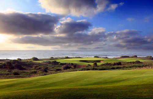 Le golf connait un franc succès et draine une clientèle étrangère séduite par la nouveauté et le bord de mer, façon « links » écossais.