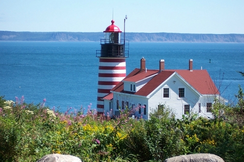 2000 - West Quoddy Head Light. Crédit Visit Maine