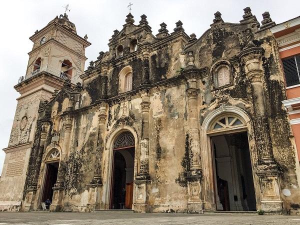 L'église de la Merced à Granada au Nicaragua - Crédit photo : Compte Twitter @visitnicaragua