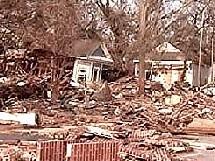La Louisiane et le Mississipi présentent tous deux des villes dévastées.