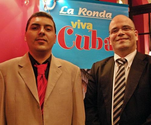 Cuba : Gilberto Lopez Breto (dte), Directeur de l'Office de tourisme, ne désespère pas de voir les Français revenir en nombre...