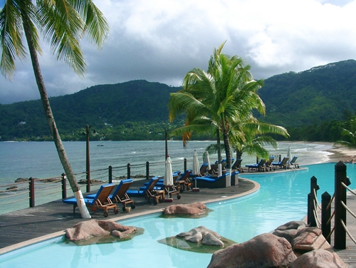 Séismes, cyclones, épidémies : les îles paradisiaques sont-elles maudites ?