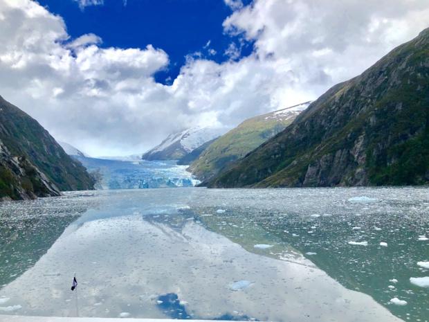 L'eau et la glace se fondent dans la ligne d'horizon dans le glacier Garibaldi... /photo JDL