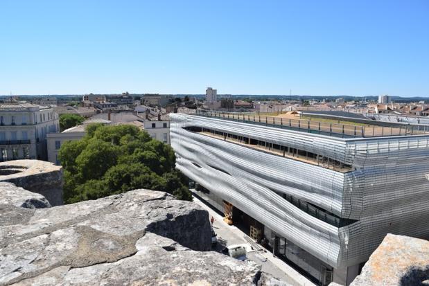 Musée de la Romanité depuis les Arènes de Nîmes - DR Isabelle Lecaux / OT Nîmes