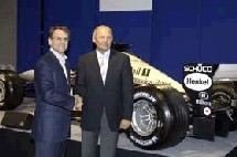 De gauche à droite : Ian Carter/Hilton International et Ron Dennis/McLaren Group