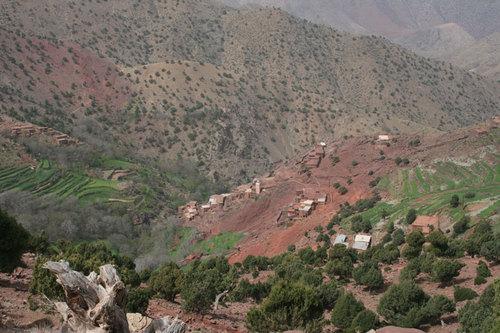 Ce sont des villages du massif de Toubkal, comme ici dans la vallée d' Oussertek, que Planète Maroc vous emméne découvrir