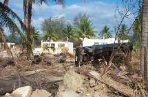 Le 26 décembre 2004, une vague de 9 à 10 mètres envahissait la plage de Khao Lak sur laquelle se trouvait implanté l'hôtel Sofitel Magic Lagoon.