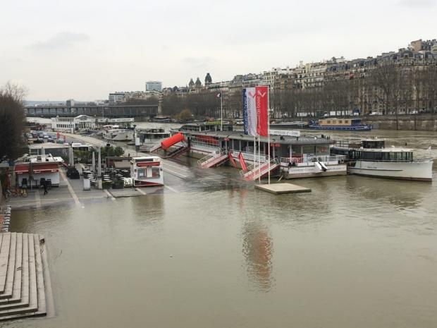 Depuis le 22 janvier, la crue de la Seine a imposé aux compagnies de croisière fluviale de stopper leur activité - DR CL