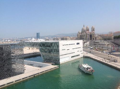 La Villa Méditerranée à droite à côté du MUCEM - DR JdL