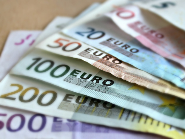 Selon les informations de l'oncle Dom, plus de 3 millions d'euros trainent encore (ou se sont déjà envolés) de leur caisse -  photo libre de droit creative commons