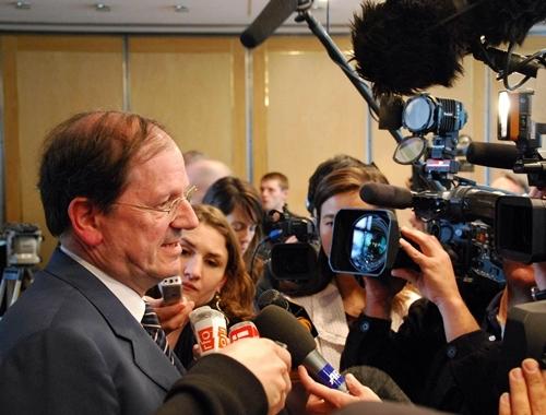 H. Novelli a présenté son plan de soutien aux professionnels, devant un parterre de journalistes et de caméras rarement vu autour du secrétaire d'État en charge du Tourisme.