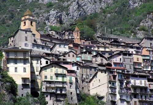 Le monastère de la commune de Saorge est sur la liste des monuments nationaux susceptibles d'être aménagés en hôtels