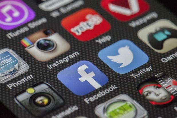 You Tube vient de dévoiler une toute nouvelle manière de changer le fond d'une vidéo sans l'utilisation d'un fond vert. - Photo LoboStudioHamburg Pixabay