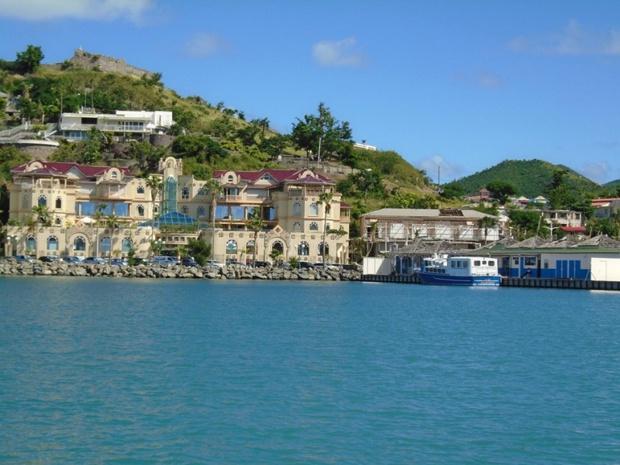 Après des dégâts trop important, Sunsail a déménagé sa base de St Martin à Marigot - DR Sunsail