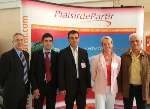 L'équipe de Plaisir de Partir Nice en compagnie de Daniel Hezard, président du Snav Côte d'Azur