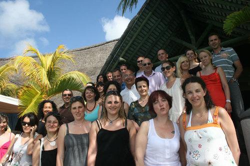 Le groupe d'agents de voyages marseillais entourant Michel Blanchi au Beau Rivage - Photos: JB/Tourmag.com