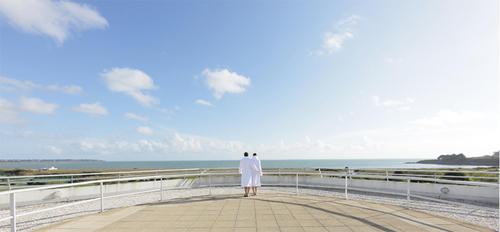 La mer vue du Resort Thalasso and Spa Miramar Crouesty sur la côte atlantique