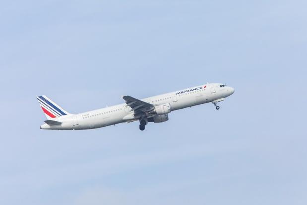 Pour la journée du vendredi 23 mars 2018, Air France prévoit d'assurer 75 % de son programme de vols : 70 % de ses vols long-courriers ; 70 % de ses vols moyen-courriers au départ et vers Paris-Charles de Gaulle et 80 % de ses vols court-courriers, Paris-Orly et province.