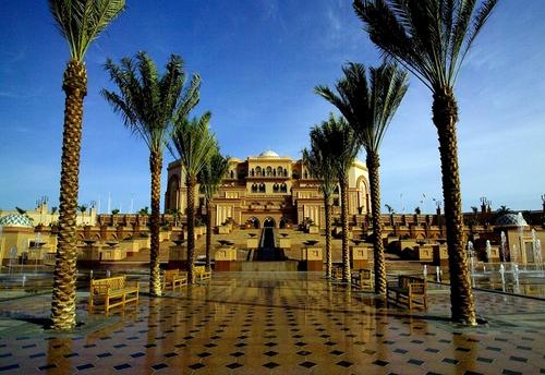 Le somptueux Emirates Palace, l'un des plus beaux hôtels du Moyen Orient /photo dr