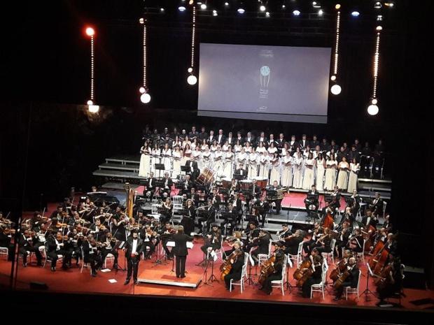 L'opéra Carmen de Bizet au programme de la soirée d'inauguration. Devant 1800 spectateurs les choeurs et l'orchestre national de Tunis associés aux choeurs et à l'orchestre national d'Ukraine. Photo MS.