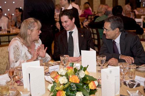 Michelle Herbaut, SNAV-Ile de France ; Peter Baumgartner, Etihad Airways ; S.E. Alain Azouaou, Ambassadeur de France aux Emirats Arabes Unis