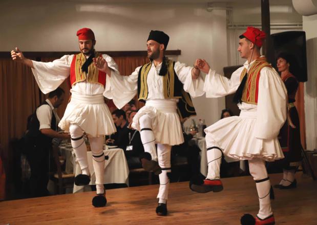Danses Crétoises © Laurie Medina