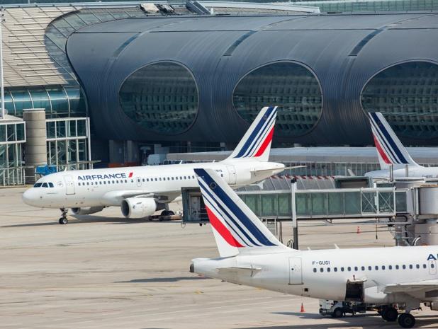 Grève Air France : plus de 170 millions d'euros sont partis définitivement pour la compagnie aérienne. Sans aucun espoir de les regagner, alors que la situation économique d'Air France, malgré les relatifs bons résultats de ces derniers mois, est encore extrêmement délicate - photo LEROUX Christophe Air France