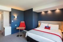 DR : Holiday Inn Express®