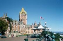 80 % des touristes qui viennent au canada vont au Québec.