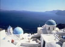 Le ministère grec de la Culture a ordonné samedi la fermeture immédiate du site archéologique d'Akrotiri, sur l'île de Santorin (photo).
