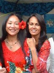 Accueil souriant de l'équipe parisienne de Tahiti Tourisme