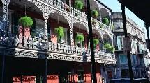 le Vieux Carré (French Quarter), son quartier historique de renommée mondiale, est resté pratiquement intact.