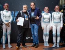 """Signature de contrat pour une nouvelle attraction """"Eurosat-Coastiality"""" avec Luc Besson"""