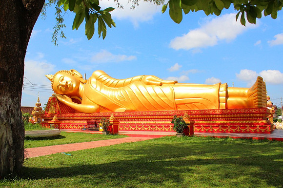 Le bouddha couché - Laos; DR Action-visas