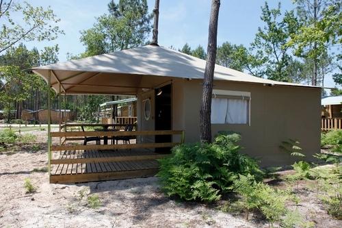 Les tentes lodges sont les plus appréciées par les clients. Ce sont aussi les moins chères du village.©J. Sierpinski