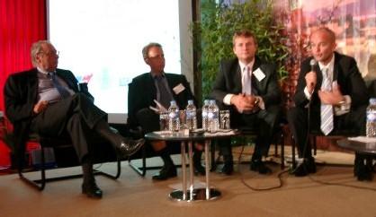 De gche à droite : Jean Korcia (Manor), grand témoin, Christophe de Chassey (Direction Ingénierie et Projets, ODIT France), Emmanuel Fusiller (représentant le ministre délégué au Tourisme) et Pascal Visintainer (Maison de la France)