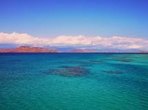 Depuis longtemps, l'île a su attirer une clientèle australienne, néo-zélandaise et  japonaise et fait désormais les yeux doux au marché métropolitain