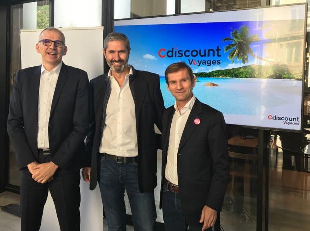 De g. à dr. : Emmanuel Grenier, P-DG de Cdiscount, Carlos da Silva et Nicolas Brumelot, fondateurs de Misterfly - DR : D.G.