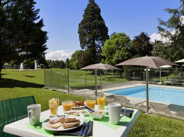 Le domaine de Marlioz est composé de 4 établissements, un spa et accueille les Thermes - photo Domaine de Marlioz