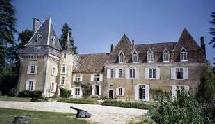 Selon Odit France, les résidences secondaire d'étrangers ont  une très grande importance en matière d'activité touristique et économique générale même si toutes n'ont pas le standing de la photo ci-dessus.