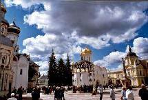 Alors que depuis des années la Russie accueille de moins en moins de touristes des ex-républiques soviétiques et des pays voisins comme la Finlande ou la Chine, cette année pour la première fois le nombre de touristes venus des pays occidentaux est e