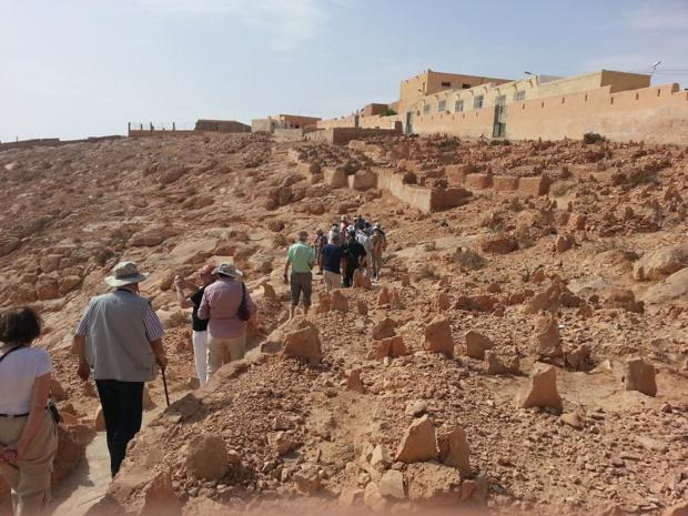 Les circuits culturels s'adressent à des groupes de 12 à 20 personnes maximum. Ici, à Ghardaïa - DR : Algérie Tours