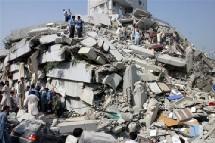 A Islamabad même, un immeuble moderne d'habitations de plusieurs étages s'est effondré.