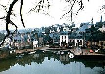 Avec 17.000 croisiéristes et 48 escales en 2004, les ports bretons sont très loin des performances réalisées par les ports Méditerranéens.