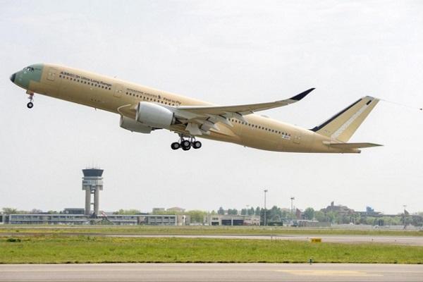 Le futur Airbus A350-900 ULR, qui promet un rayon d'action de 18 000 km, reliera Singapour à New-York dès la fin de l'année 2018 © DR Airbus