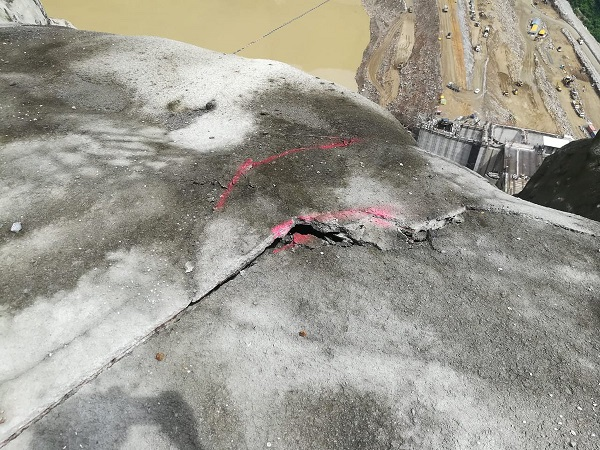 Le barrage d'Ituango en Colombie menace de céder - Crédit photo : compte Twitter @ISAZULETA