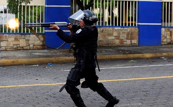 Nicaragua, les affrontements entre les contestataires et le pouvoir en place ont déjà fait plus de 100 morts - Crédit photo : compte Twitter @Rayzpda