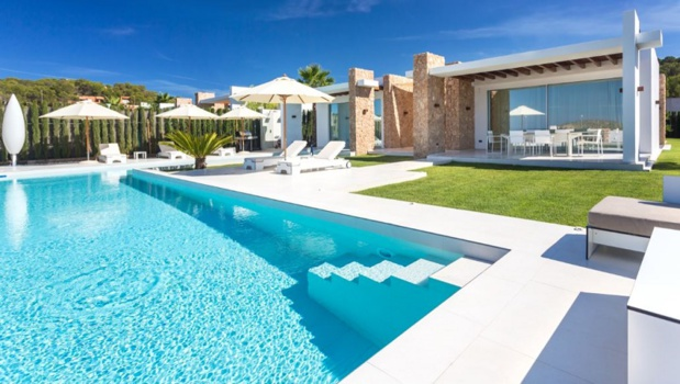 Locasun propose à la 1ère équipe éliminée une villa à Ibiza - photo Locasun
